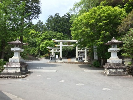 三峰神社 三つ柱鳥居