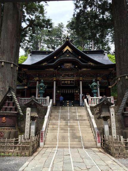 三峰神社本殿