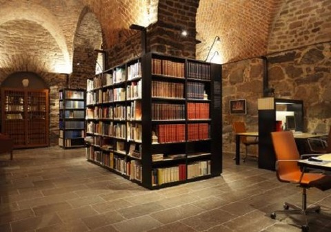 6研究図書館110