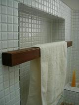 2F洗面タオルバー