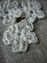 リネン糸のモチーフ