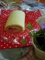 愛しの苺のロールケーキ