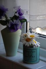 今のキッチンの花