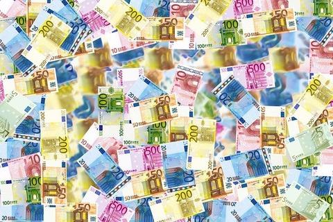 money-496229_640