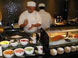 バージュ・アル・アラブの中にあるバイキングの寿司コーナー