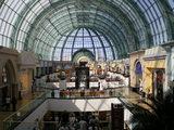 日本では考えられないような巨大はショッピングモールがいくつもある