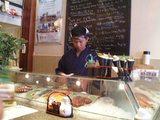 日本人に一番人気の高い寿司店「KCafe」