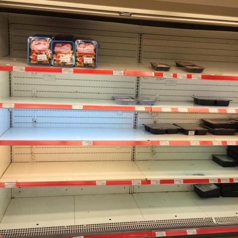 ギリシャが想像以上にヤバい、店頭から食料が消え去る