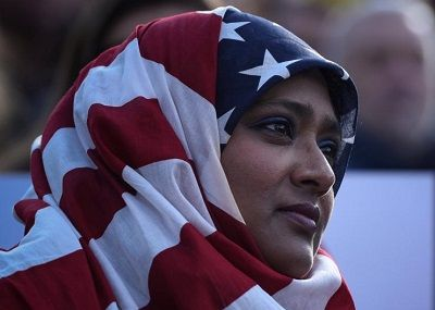 stara and stripes のスカーフを被ったイスラム女性400pic