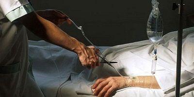 eutanasia-belgio-生命維持装置の管を鋏で切る400pic