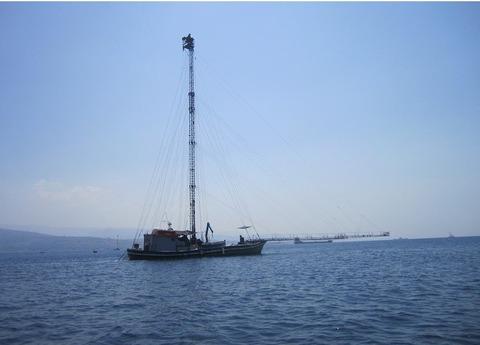 フェルーカ船則撮影800を切り取り手も消去