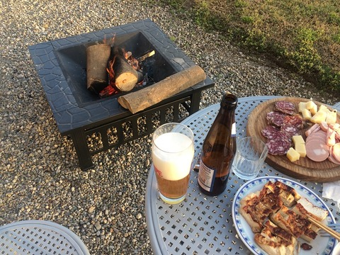 焚き火、ビール、サルミ&豆腐800