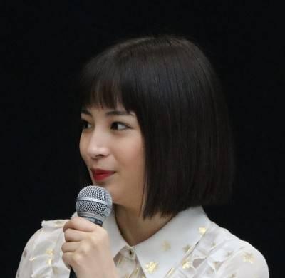 「紅白司会・広瀬すず」にざわつく嵐ファン3年前の共演で「因縁」が...