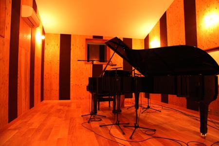 StripGarden Piano_Booth