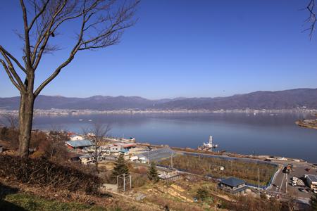 諏訪湖SAから諏訪湖を望む