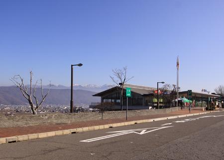 諏訪湖SAから八ヶ岳連峰を望む