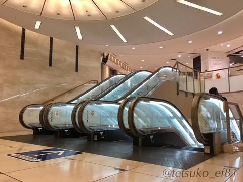 日本橋三越本店新館のエスカレーター