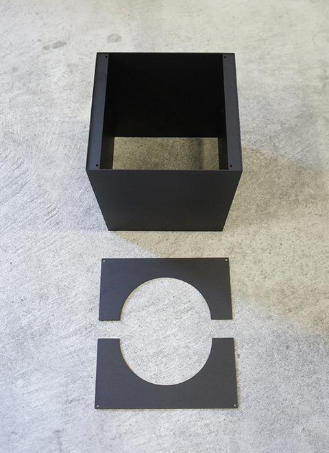 鉄のプランターボックス