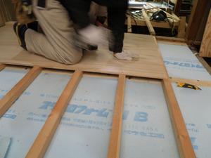 大工工事:床下地工事