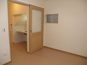 完成:寝室の出入り口とキッチン(10)
