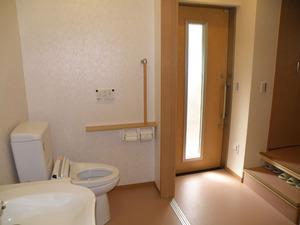 完成トイレ玄関見返し