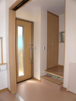 完成:室内玄関と階段(12)