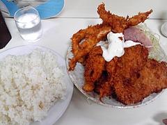 キッチンマミー@神保町 ミックスフライ(800円)