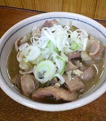 秋田屋 牛モツ煮(450円)