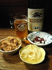 武蔵屋@日ノ出町 おから、酢玉葱、豆とキリン一番搾り