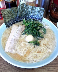 ラーメン壱六家 磯子本店 ラーメン醤油(600円)