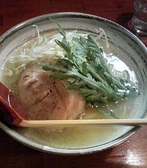 麺処おかじ 清湯塩らーめん(700円)