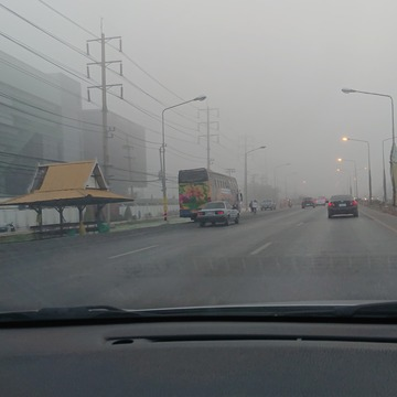 朝靄かPM2.5