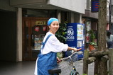 自転車で市場へ