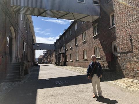 長いロープ工場 筆者
