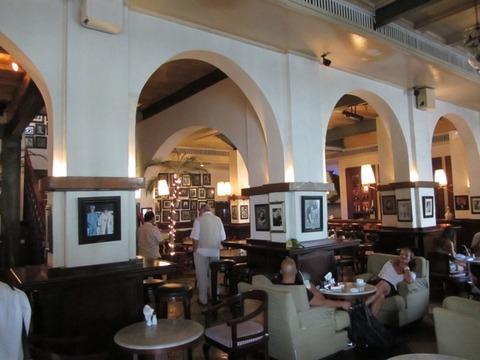33 Cafe Batavia 店内