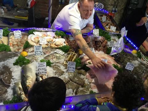 バラマーケットの魚や