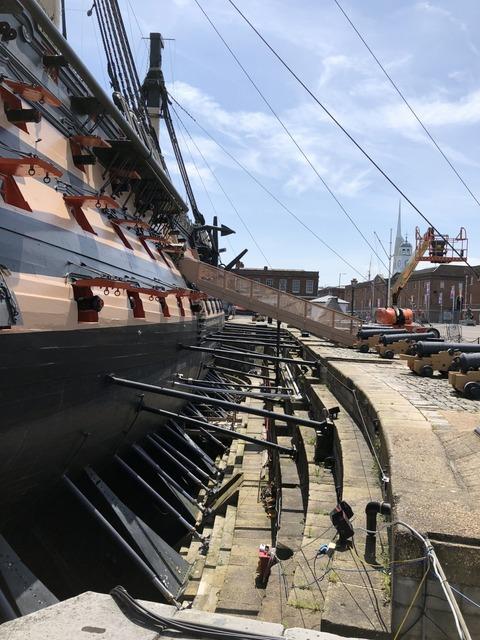 船体仮支柱の状況
