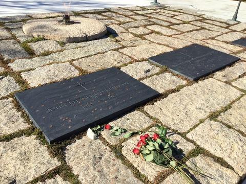 ケネデイーの墓