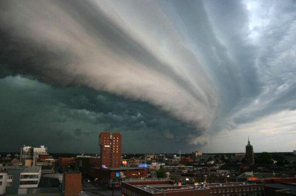 メイストームとは大嵐という意味...