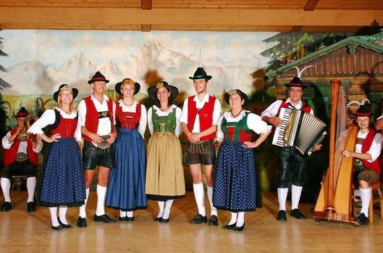 tyrolean-folk-show-in-innsbruck-in-innsbruck-131614