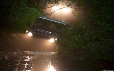 Land-Rover-Defender-90-Station-Wagon-2013-1680x1050-007