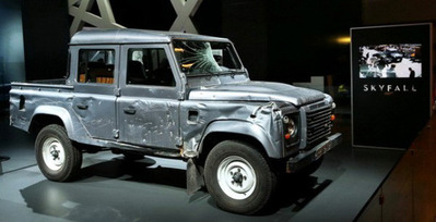 james-bond-skyfall-land-rover-defender-paris-motor-show