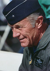 200px-ChuckYeager