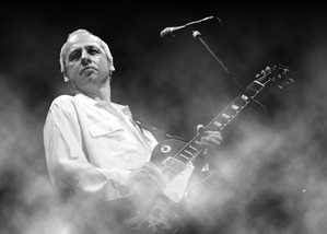 Mark_Knopfler_Wallpaper_by_Robbanmurray