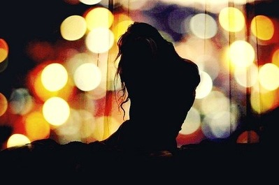 beautiful-dark-girl-lights-photography-Favim_com-138650