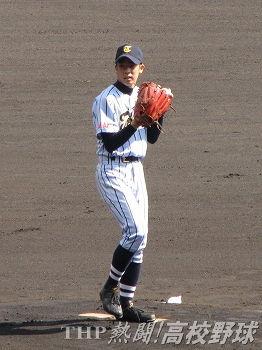 公式戦初登板ながら堂々完投した東海大相模・庄司(2011.3.27)