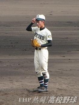 8回まで好投した報徳1年生・田村(2010.8.19)