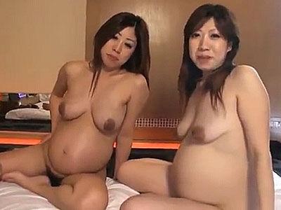 中出し放題!!二人の妊婦さんに膣内射精するハーレム乱交が世にもカオス!