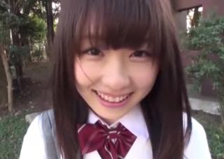 【エロ動画】 可愛すぎだろ!! 恥ずかしがり屋さんの女子校生に中出しハメ撮り・・・なんとも羨ましい