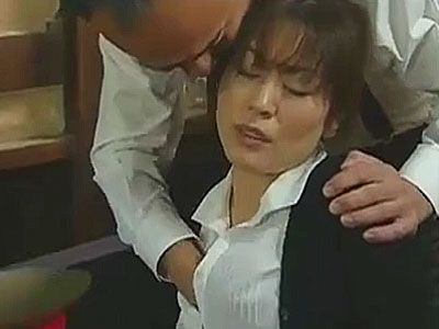 汚すぎる昭和の官憲!盗聴した不倫音声のテープで熟女を脅しレ●プ!